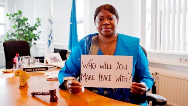 La justice est une aurore de la paix durable.