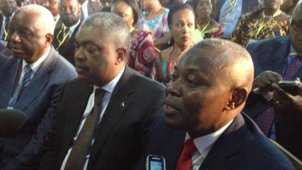 Le président de l'UNC, Vital Kamerhe, interrogé par la presse à l'ouverture du dialogue. Il est le co-modérateur de ce dialogue pour la frange de l'opposition qui y participe. © RFI